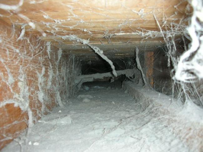 грязный вентиляционный канал
