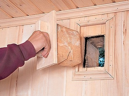 вентиляционное отверстие в деревянном доме