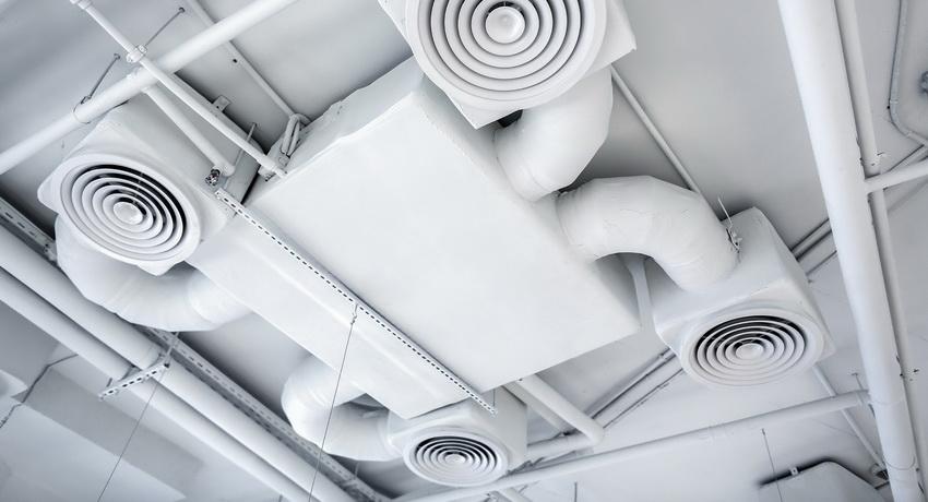 пластиковый короб системы вентиляции