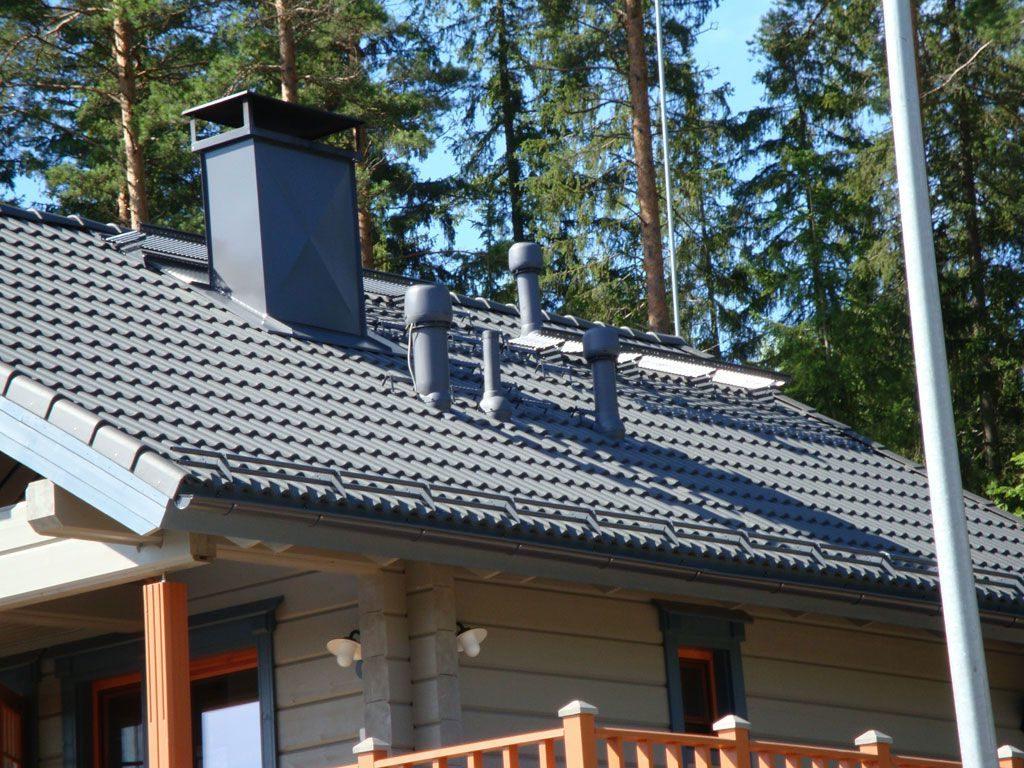 вентиляционные выходы на крыше дома