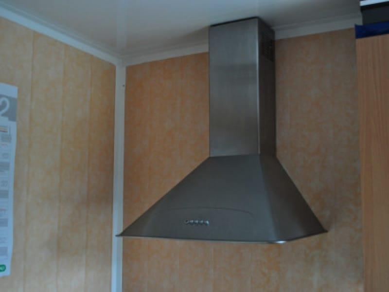 кухонная вытяжка в натяжном потолке