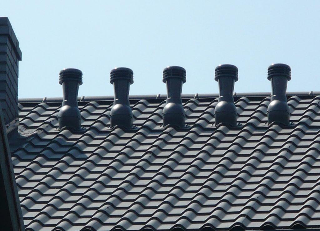трубы вентиляции на крыше