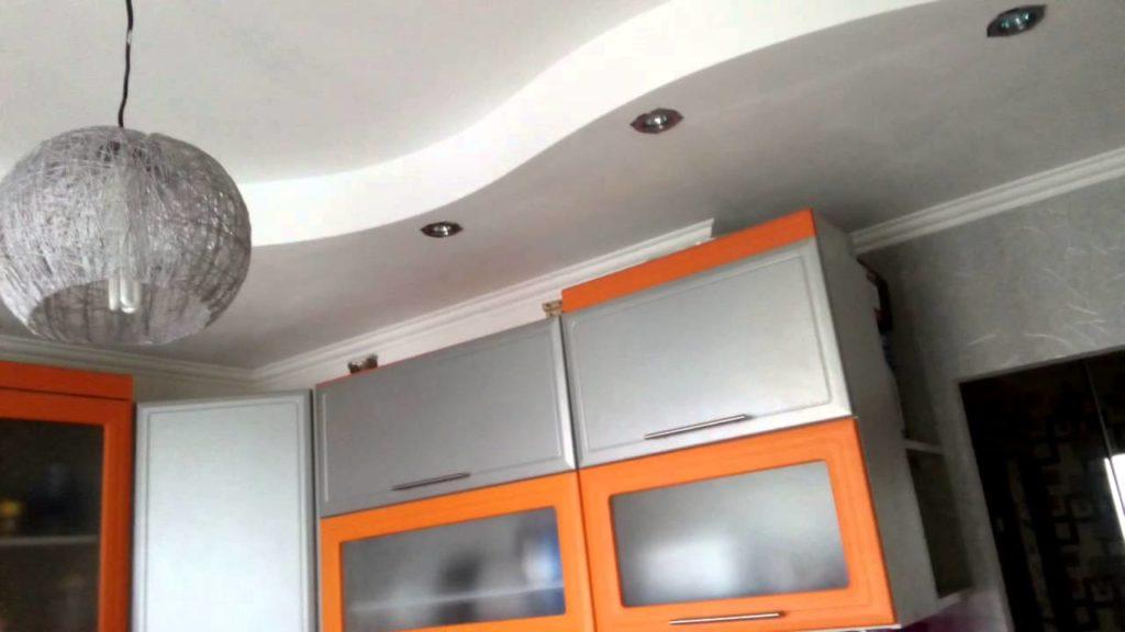 несколько уровневый потолок