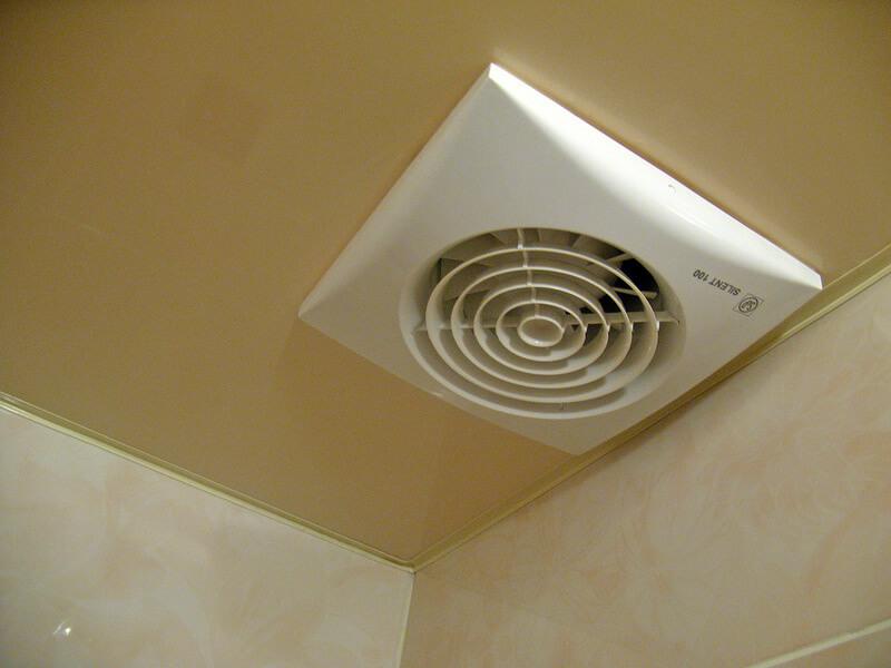 вентилятор в потолке