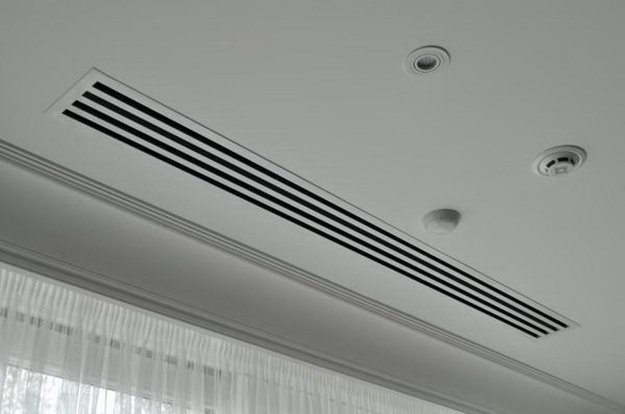 вентиляционная решетка в натяжном потолке