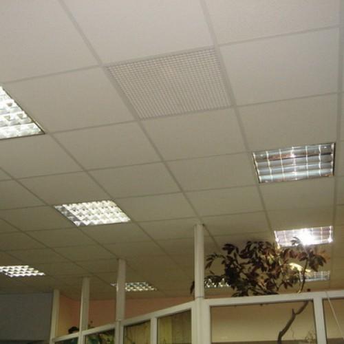 вентиляция из пластика в потолке
