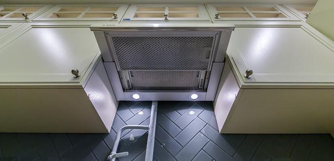 встроенная кухонная вентиляции